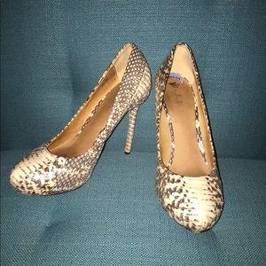 LAMB snakeskin heels size 6.5